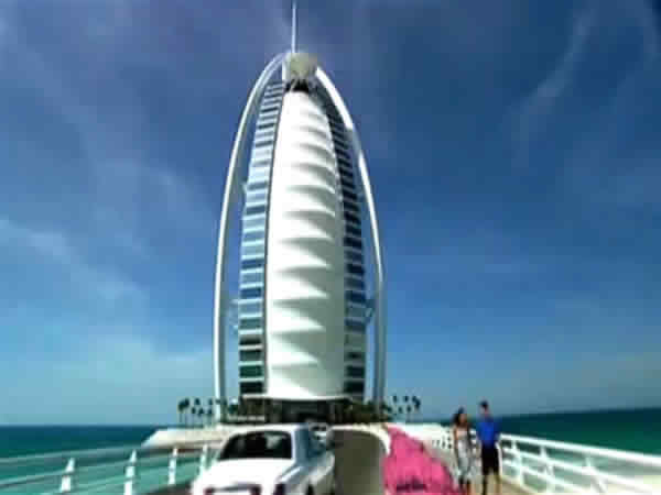 7 stars hotel Burj Al Arab on the ocean