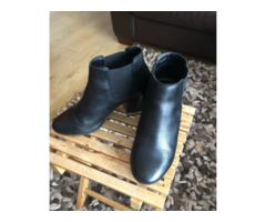 Black Leather Ankle Boots With Low Block Heel For Women Size 8 Ladies ONLY WORN ONCE!