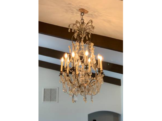 Chandelier Selling For The Price Of $535,000