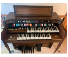 Free Gift A Piano Music Instrument