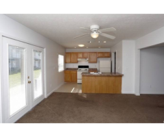 2 Bedroom 1 Bathroom 715 ft2 Available Apartments With Walk In Closets